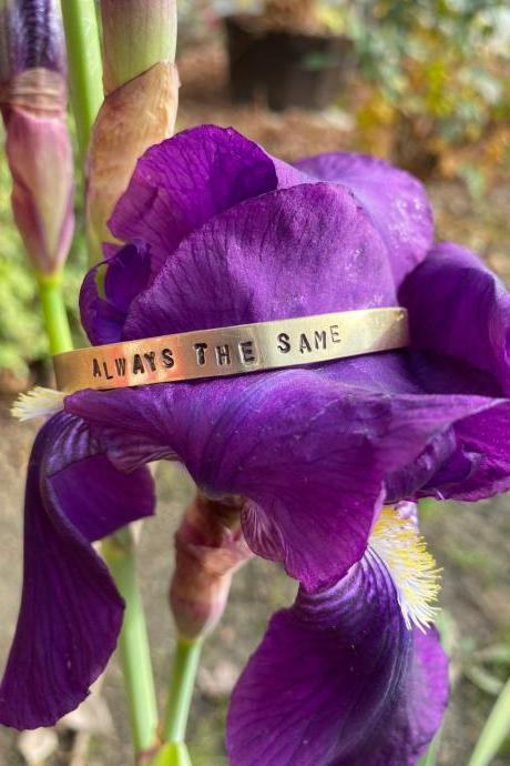 "Elizabeth I ""Always the Same"" Motto Cuff"